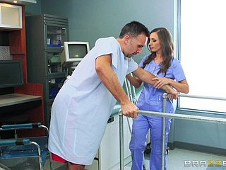 Krankenschwester verführen Patient Krankenhaus