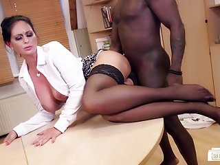 Bums Buero - German MILF sucks black bushwa onwards office